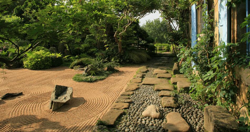 beaumont 26 le jardin zen d erik borja la passion des jardins. Black Bedroom Furniture Sets. Home Design Ideas