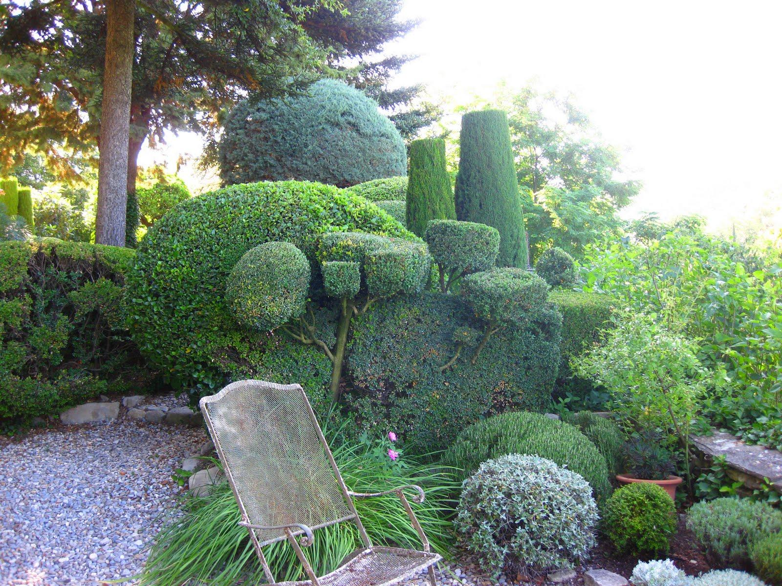 Le jardin de la louve bonnieux 84 la passion des jardins et de la nature - Jardin sureleve creation ...