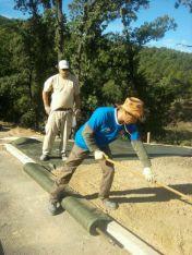 Préparation des sol et mise en place de la toile tissée